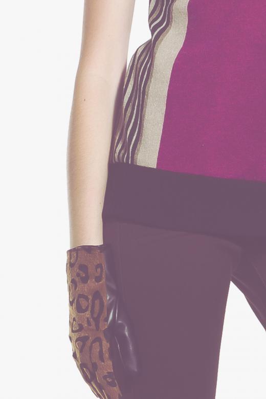 Sukienka z plisą guzikową