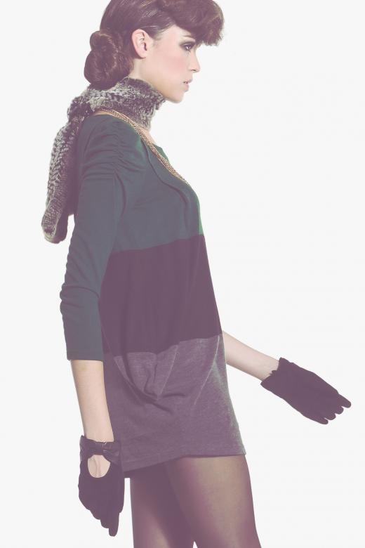 Sukienka ze sznurowaniem w paski